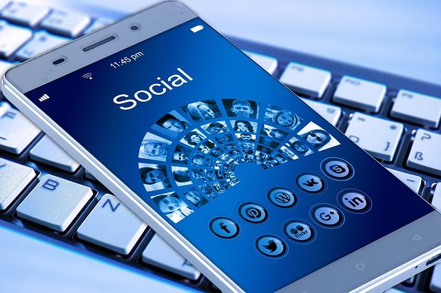 poker online social